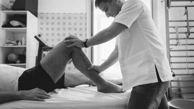 """O Meu Fisioterapeuta: """"Tenho artroses nos joelhos. Haverá alguma esperança de sentir um pequeno alívio?"""""""